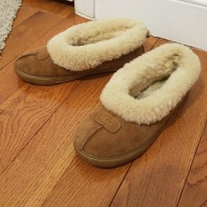 Women's ugg slippers size 8